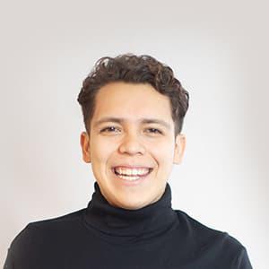 Luis Hernadez Headshot