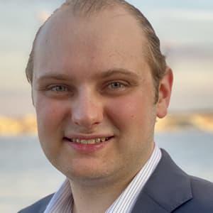 Zach Kloska Headshot