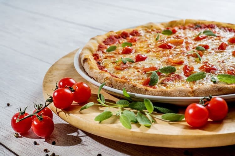 Pizza with tomatoes