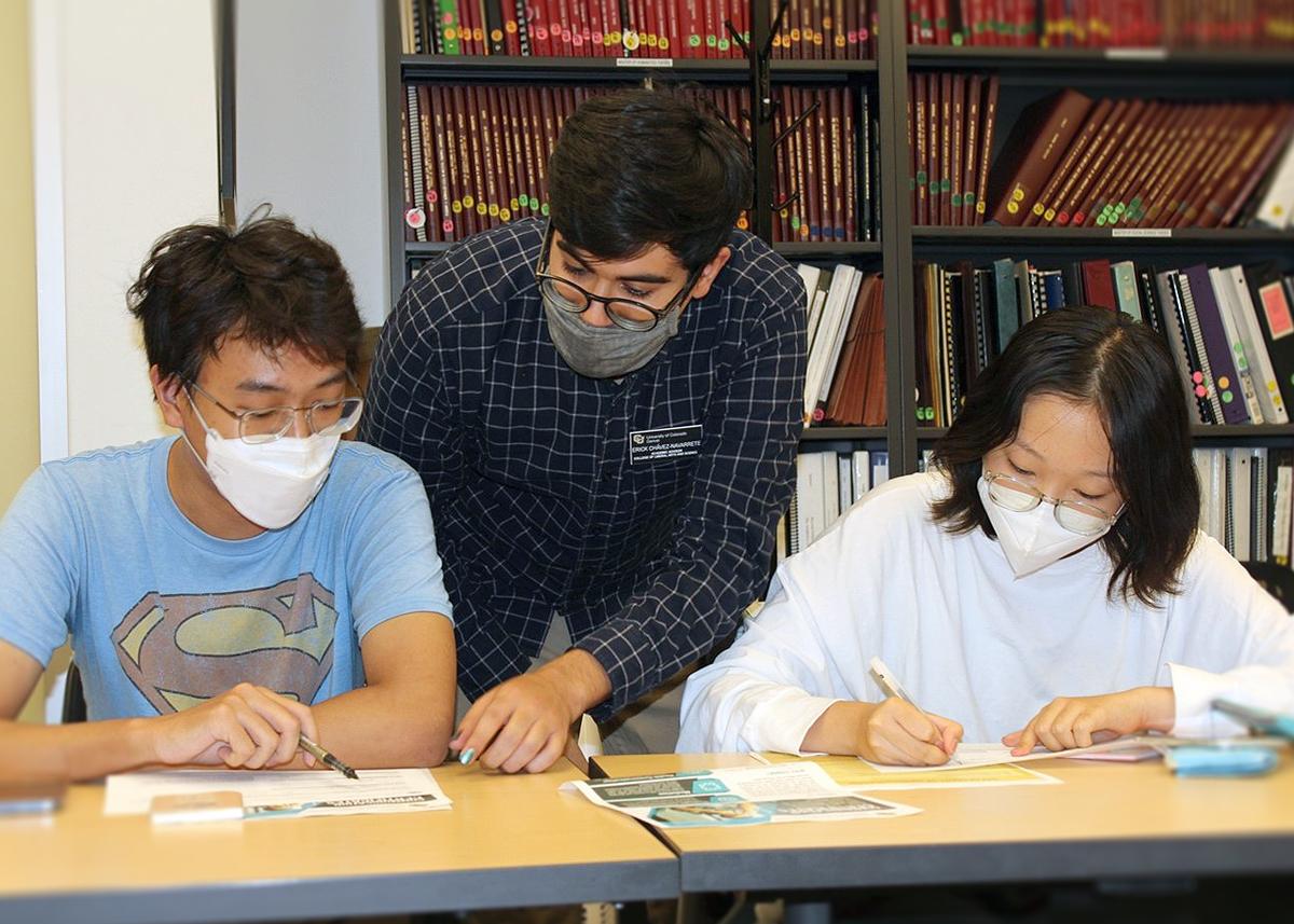 CLAS Academic Advisor with ICB Students