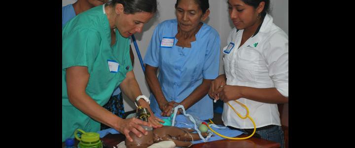 Amy Nacht, MSN, CNM Teaching Helping Babies Breath class in El Trifinio